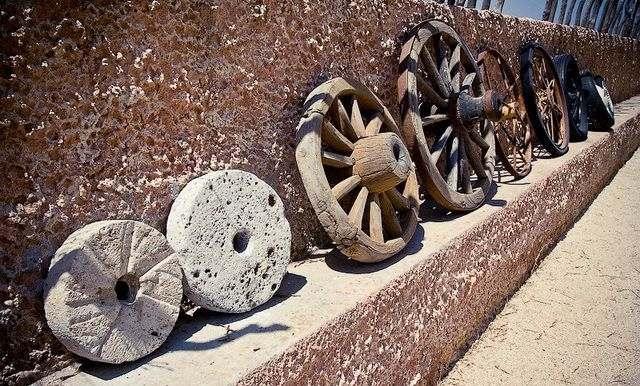 колесо изобрел тот, кому было лень носить тяжести